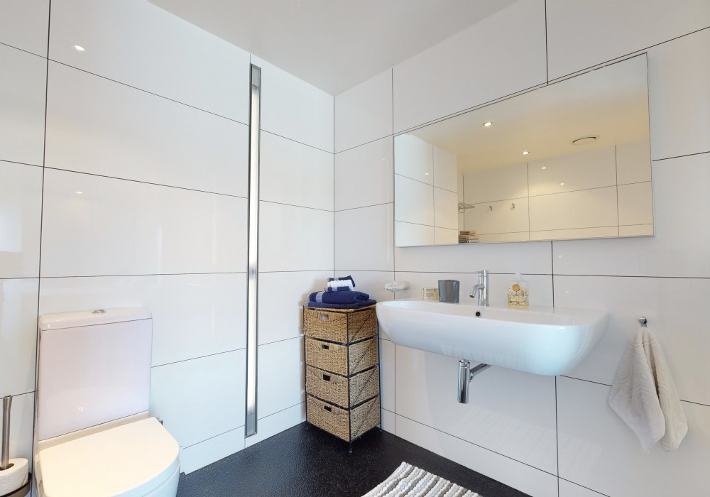 Mkt Ensuite 1 15 305 Evans Bay Parade Roseneath