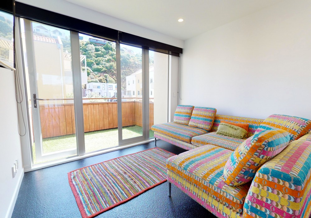 Mkt Living Side 2 15 305 Evans Bay Parade Roseneath