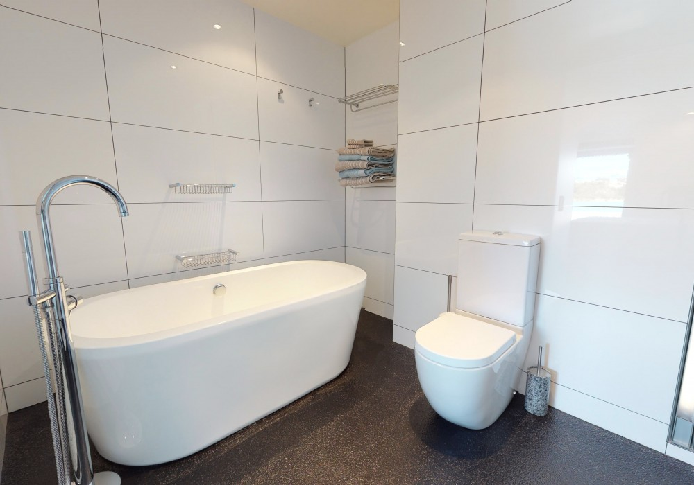 Mkt Ensuite 2 15 305 Evans Bay Parade Roseneath